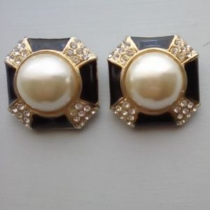Vintage Square Rhinestone Clip on Earrings.